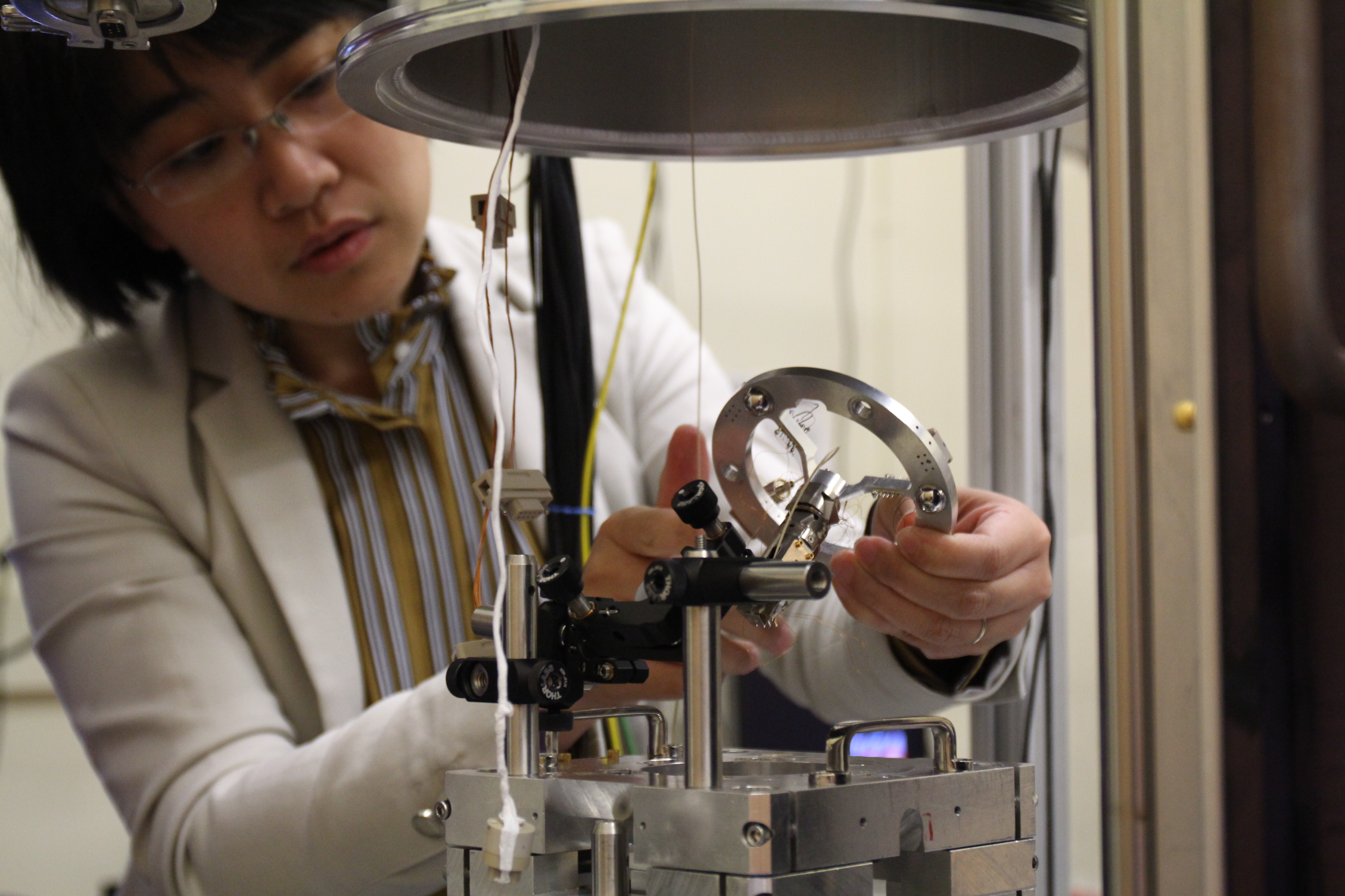 Just one year after arriving at West Virginia University, physicist Lian Li is taking physics research to new frontiers. 